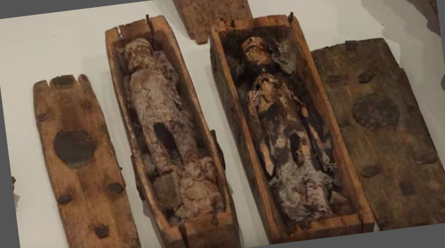 Dzieci podczas zabawy odnalazły jaskinię, a w niej… 17 malutkich trumien
